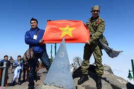 Chinh phục đỉnh Fansipan 3.143m